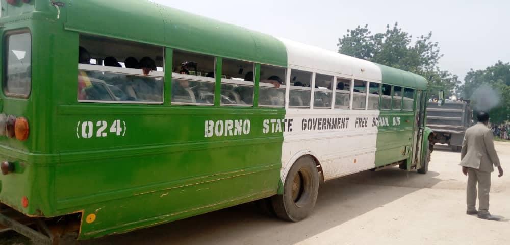 Le bus transportant les ex combattants