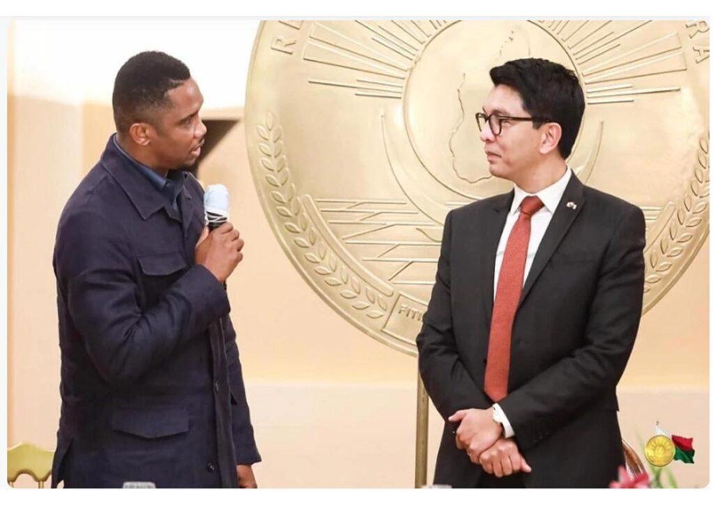 Samuel Eto'o et le Président Malgache Andry Rajoelina